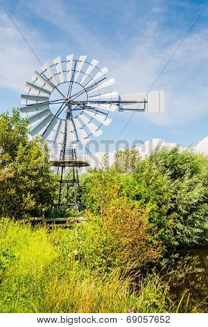 Multi-bladed Wind Pump From Close