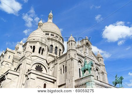 Basilica Of The Sacred Heart (basilique Du Sacre-coeur), Paris, France