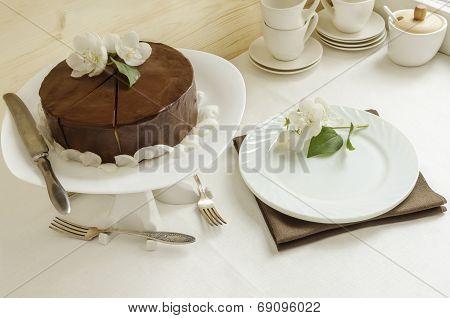 Souffle Cake With Chocolate Glaze