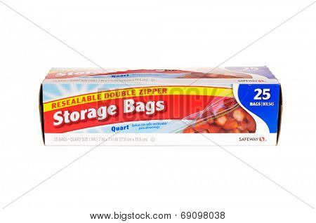 Hayward, CA - July 24, 2014: Packet of 25 Safeway Brand,  resealable double zipper storage bags in 1 quart size.