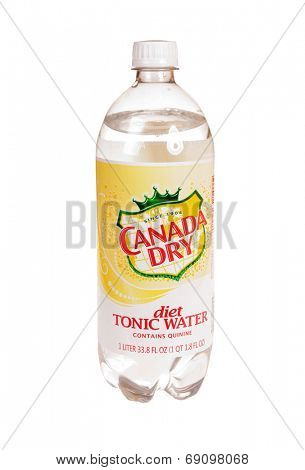 Hayward, CA - July 24, 2014: 12 fl oz can of Canada Dry diet Tonic Water