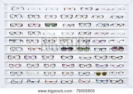 Exhibitor Of Glasses