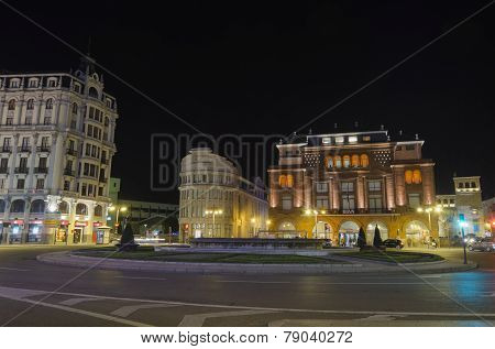 Leon by night