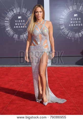 LOS ANGELES - AUG 24:  Jennifer Lopez arrives to the 2014 Mtv Vidoe Music Awards on August 24, 2014 in Los Angeles, CA