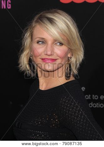 LOS ANGELES - MAY 14:  CAMERON DIAZ arrives to the