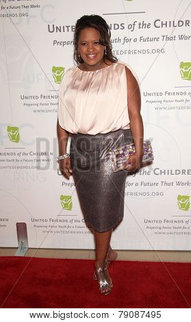 LOS ANGELES - MAY 21:  CHANDRA WILSON arrives to United Friends of the Children  on May 21, 2012 in Beverly Hills, CA
