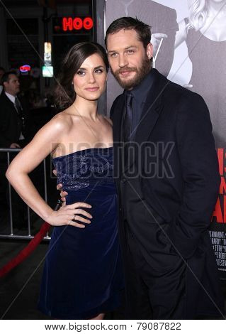 LOS ANGELES - FEB 08:  TOM HARDY & CHARLOTTE RILEY arrives to the