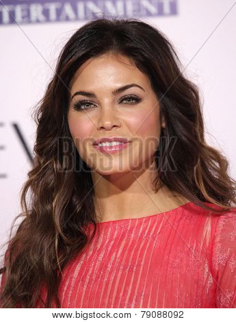 LOS ANGELES - FEB 06:  JENNA DEWAN TATUM arrives to the 'The Vow' World Premiere  on February 06, 2012 in Hollywood, CA