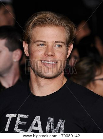 LOS ANGELES - NOV 11:  Trevor Donovan arrives to the