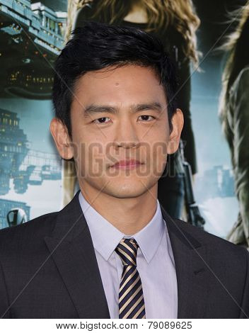 LOS ANGELES - AUG 01:  John Cho arrives to