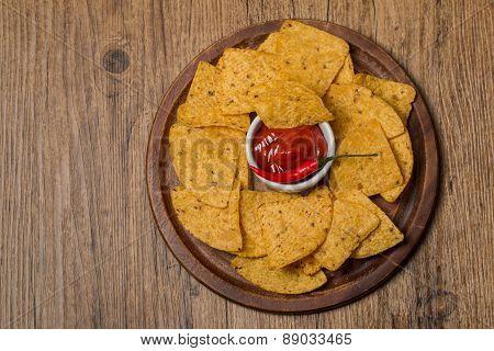 Fresh Salsa Dip With Nachos Chips