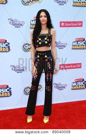 LOS ANGELES - APR 25:  Zendaya Coleman at the Radio DIsney Music Awards 2015 at the Nokia Theater on April 25, 2015 in Los Angeles, CA