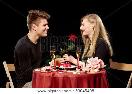 Portrait Of Romantic Couple e At Dinner