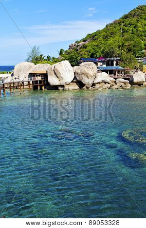 Asia Kho  Bay White      Rocks House T In Thailand  South China Sea