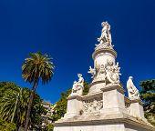 image of christopher columbus  - Statue of Christopher Columbus in Genoa  - JPG