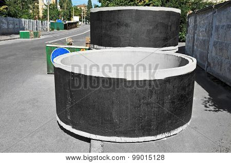 Concrete circle pit