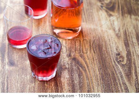 Strawberry Tea With Ice