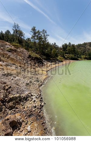 Sulphurous Lake - Danau Linow Indonesia