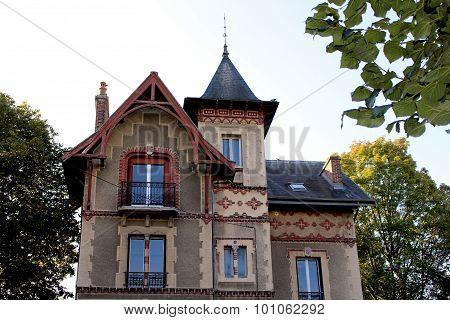 Bourgeois Home