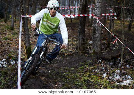Autumn Extreme Mountain Bile Competition