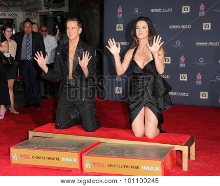LOS ANGELES - SEP 8:  Jeremy Scott, Katy Perry at the Jeremy Scott and Katy Perry Handprints in Cement Ceremony at the TCL Chinese Theater on September 8, 2015 in Los Angeles, CA