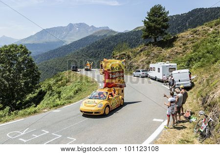 Mc Cain Caravan In Pyrenees Mountains - Tour De France 2015