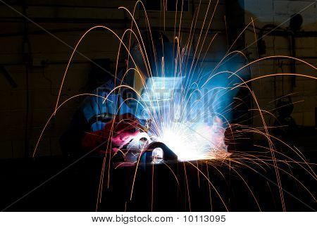 Welder Makes Steel Box