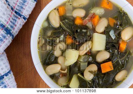 White Bean Bacon And Kale Soup