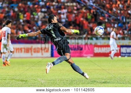 Sisaket Thailand-august 19: Kawin Thamsatchanan Of Muangthong Utd In Action During Thai Premier Leag