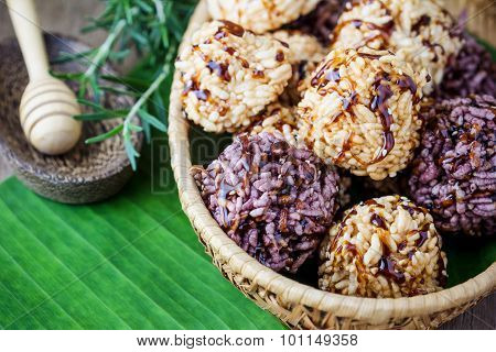 Rice Cracker Or Puffed Rice With Sugar