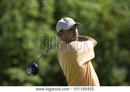 KENT ENGLAND, 29 MAY 2009. Jeev Milkha SINGH (IND) playing in the second round of the European Tour European Open golf tournament.
