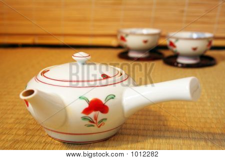 Japanese Teapot And Cups