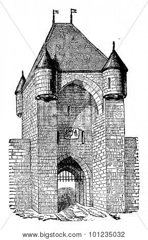 Moret Gate, thirteenth century, vintage engraved illustration. Industrial encyclopedia E.-O. Lami - 1875.