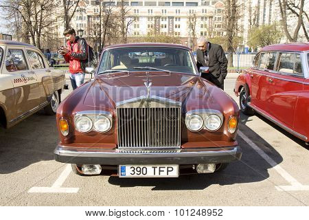 Retro Rolls Royce