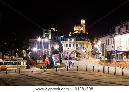 Night view of cathedral and square in Veliko Tarnovo, Bulgaria