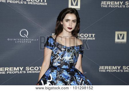 LOS ANGELES - SEP 8:  Lily Collins at the