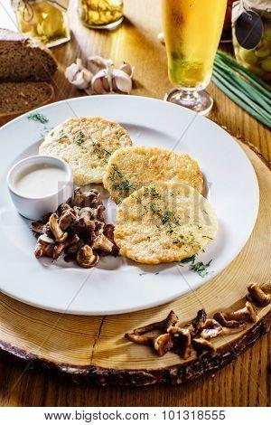 potato pancakes with mushrooms