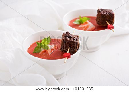 Strawberry dessert with chocolate cake