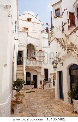 Alley Cisternino