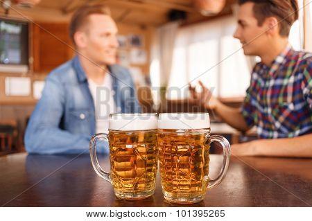 Nice friends drinking beer