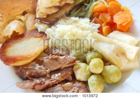 Traditional English Roast Dinner