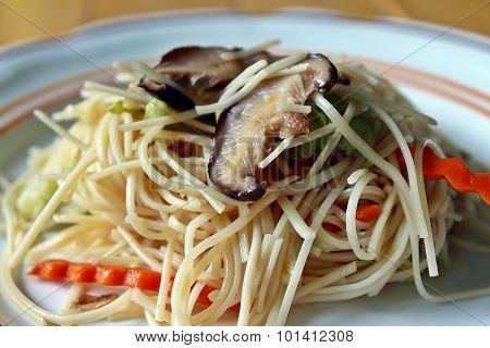 Fried vegetable noodles