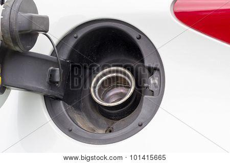 Open vehicke petrol cap