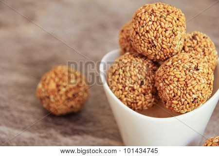 Sesame seed balls - Ellunda Indian sweet snack
