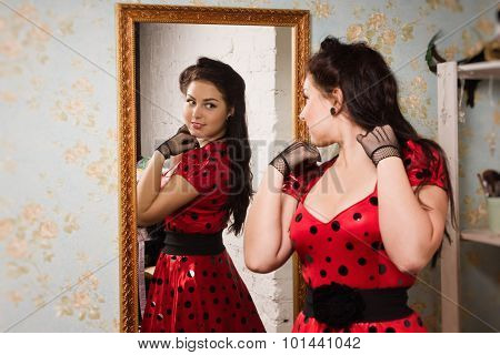 Pin-up Girl In Front Of The Mirror