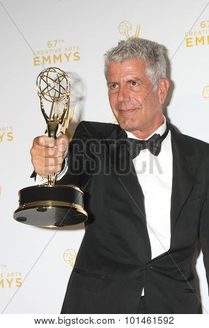 vLOS ANGELES - SEP 12:  Anthony Bourdain at the Primetime Creative Emmy Awards Press Room at the Microsoft Theater on September 12, 2015 in Los Angeles, CA