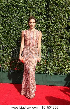 LOS ANGELES - SEP 12:  Katharine McPhee at the Primetime Creative Emmy Awards Arrivals at the Microsoft Theater on September 12, 2015 in Los Angeles, CA