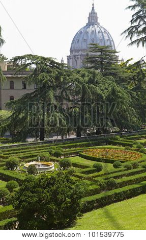 VATICAN- SEPTEMBER 20: landscaping and calotte of St. Peter's Cathedral at the Vatican Gardens on Se
