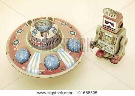 vintage U F O  toy
