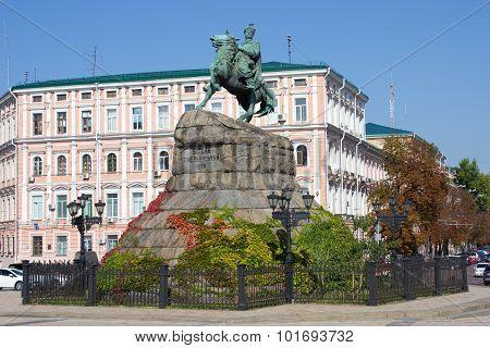 Bogdan Khmelnitsky statue